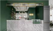 这家餐厅的空间设计,绿色清新扑面而来!